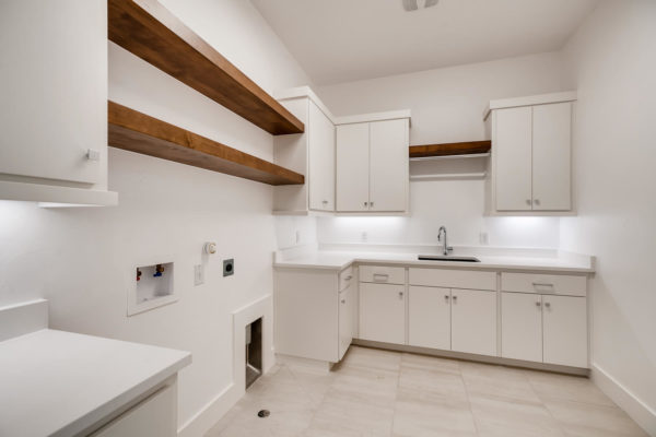650 Winding Ravine San Antonio-large-031-027-Laundry Room-1499x1000-72dpi