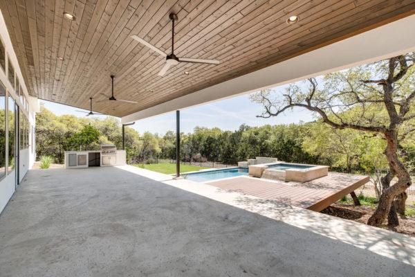 650 Winding Ravine San Antonio-large-034-033-Patio-1500x1000-72dpi