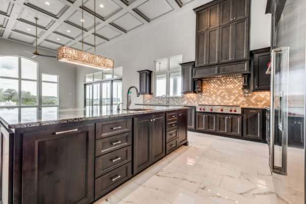 San Antonio Custom Home Builder - Traditional Style Home Kitchen