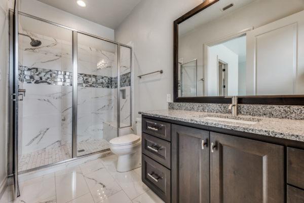 San Antonio Custom Home Builder - Traditional Style Custom Home - Guest Bathroom